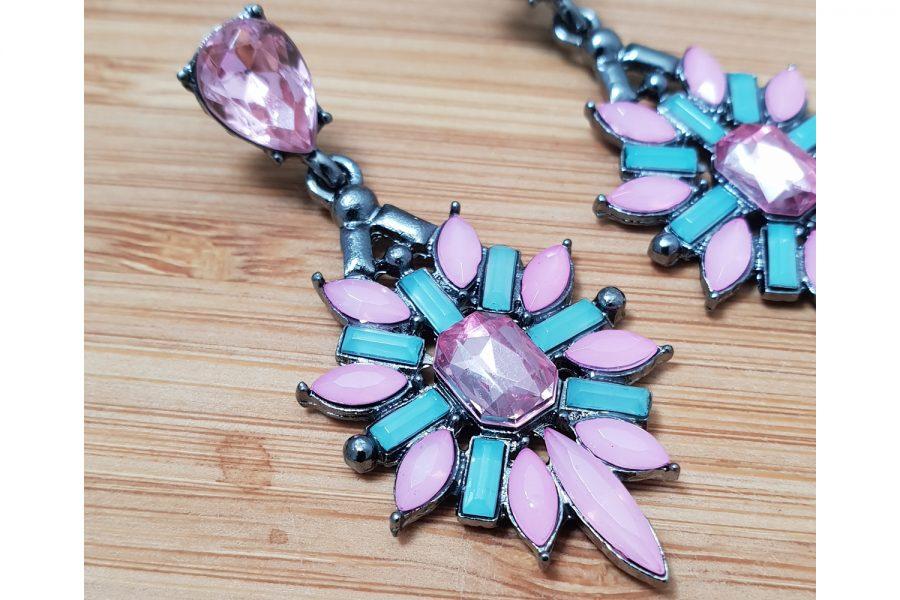 Flower Shape Stone Cluster Earrings Zoom