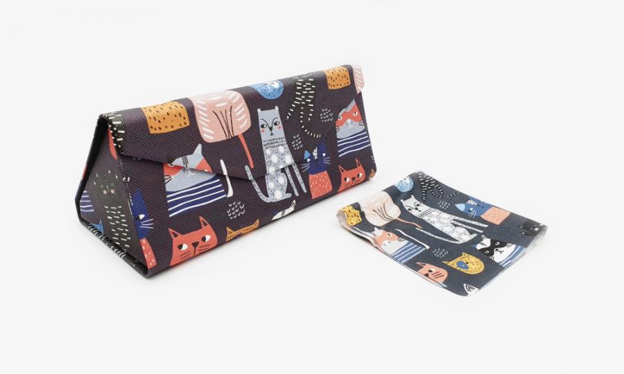 crazy cats folding case profile