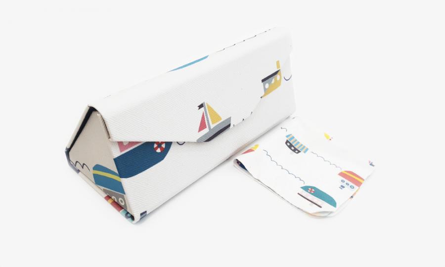 smooth sailing folding case profile