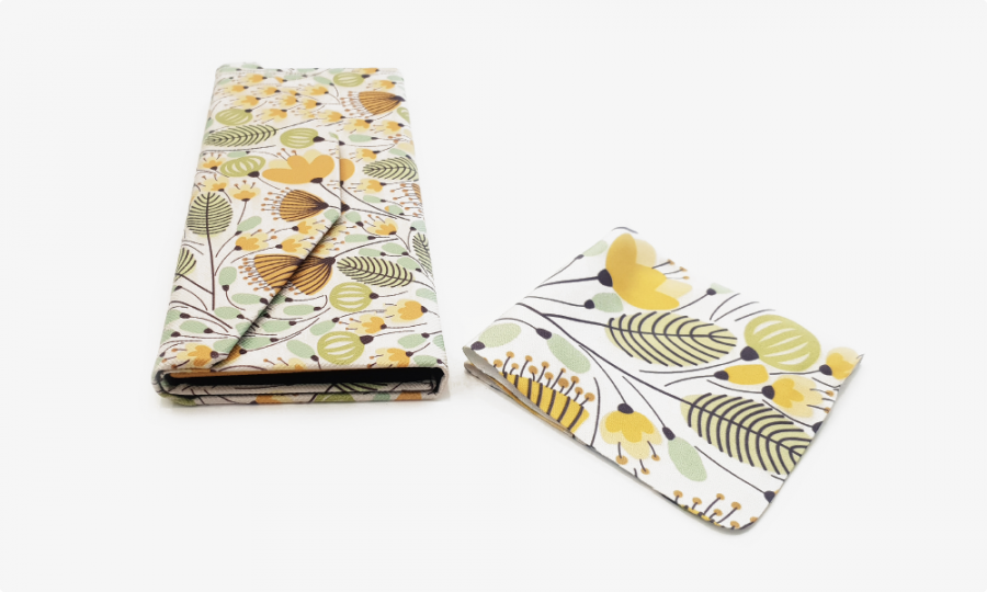 yellow blossoms folding case side view2